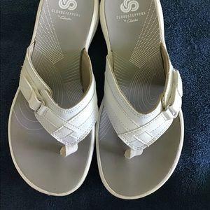 Clark's Cloudsteppers Sandals